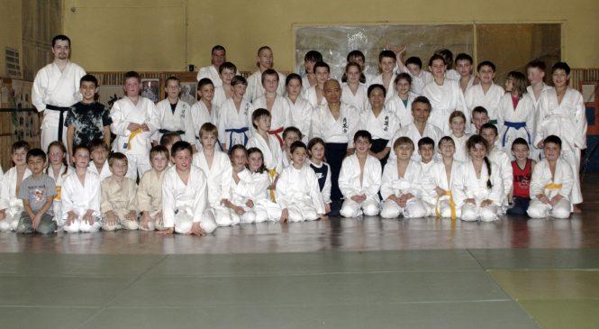 Тренировки для детей с японскими учителями 2008 год. Часть 1.